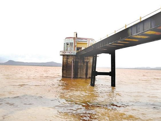 48% water stock in district dams