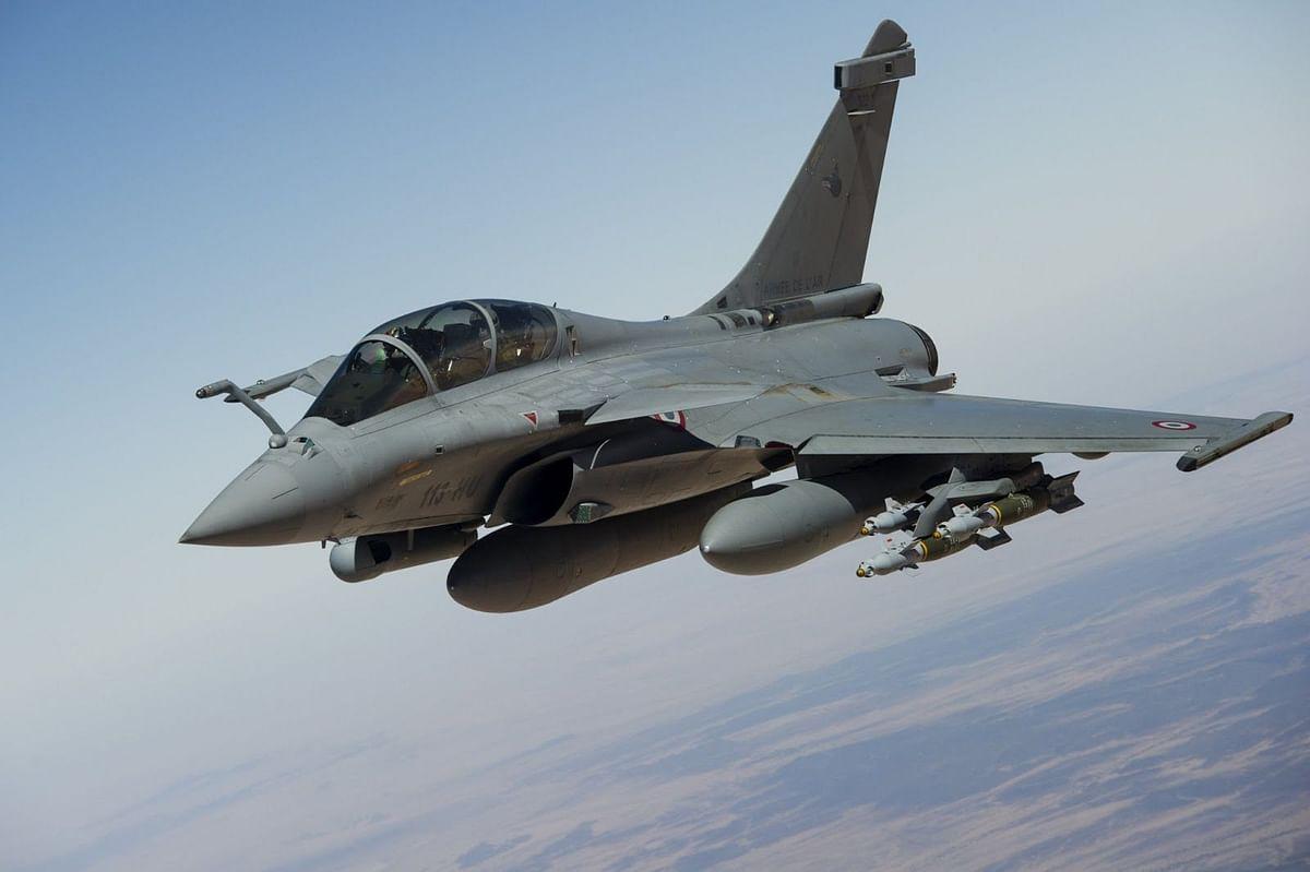 भारत-चीन तणाव : राफेलचा युद्धसराव