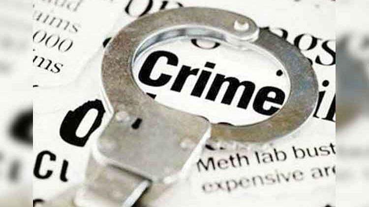 बलात्कारप्रकरणी दोघं आरोपी पोलिसांना शरण