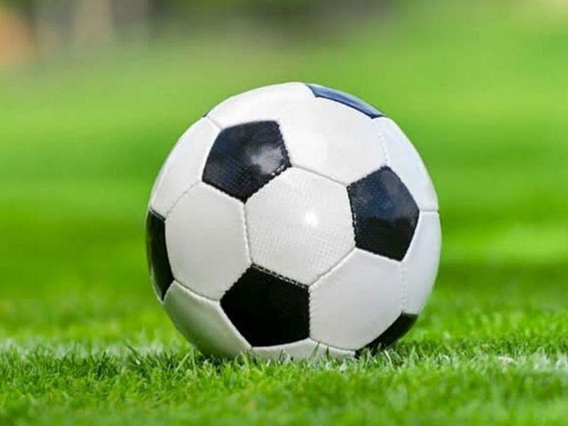 सोशल डिस्टन्सिंगमुळे फुटबॉल संघाचा पराभव