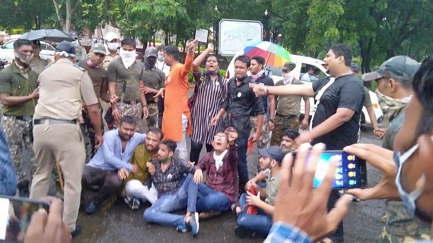 Video : ABVP विद्यार्थ्यांचे आंदोलन हाणून पाडले