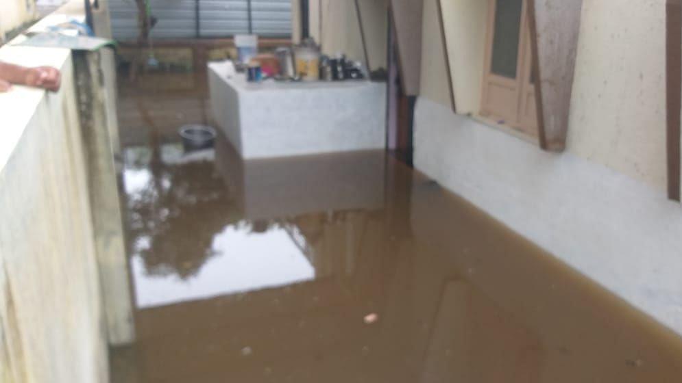 राहुरीत घरांमध्ये घुसले पाणी
