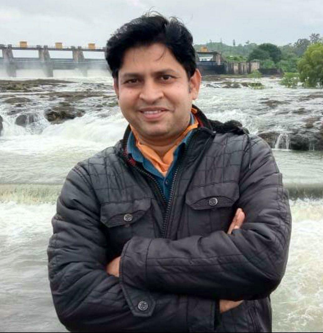 ढिसाळ व्यवस्था आणि असंवेदनशील प्रशासनामुळे तरुण पत्रकाराचा करोनाने मृत्यू
