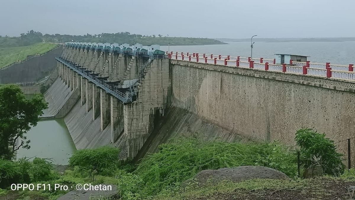 Girna dam fills up 100%