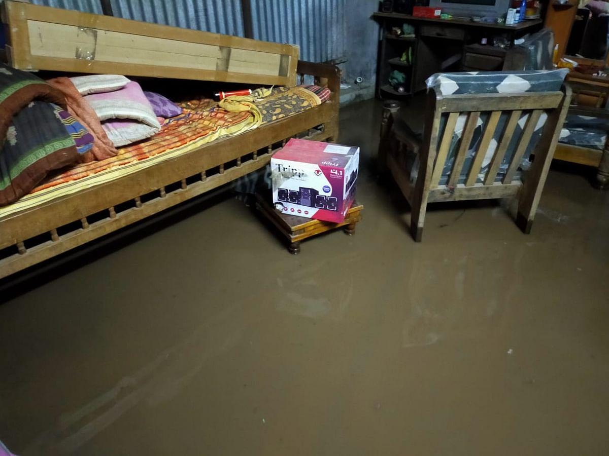 दिंडोरी : शिंदवड येथे जोरदार पाऊस, अनेक घरांत पाणी