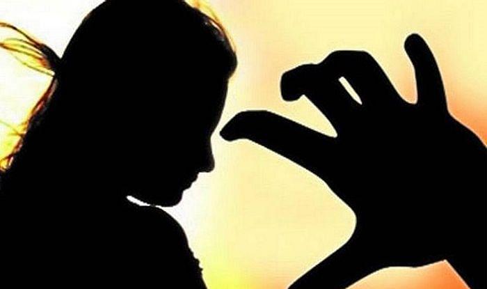 देशात दिवसाला 87 महिलांवर बलात्कार
