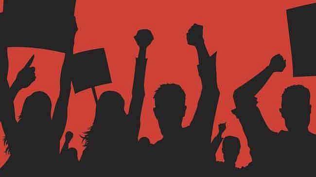 चांदवड-लासलगाव रस्त्याचे निकृष्ट दर्जाच्या कामाबाबत प्रहार संघटनेचे आंदोलन