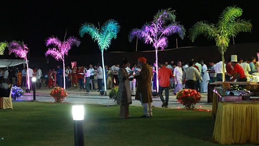 Social distancing norms being flouted at lawns