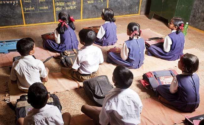 5 वीचे वर्ग प्राथमिक शाळांना जोडण्यास विरोध