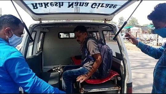 येवला : बेशुद्ध पडलेल्या ग्रामसेवकास पत्रकाराने केले रुग्णालयात दाखल