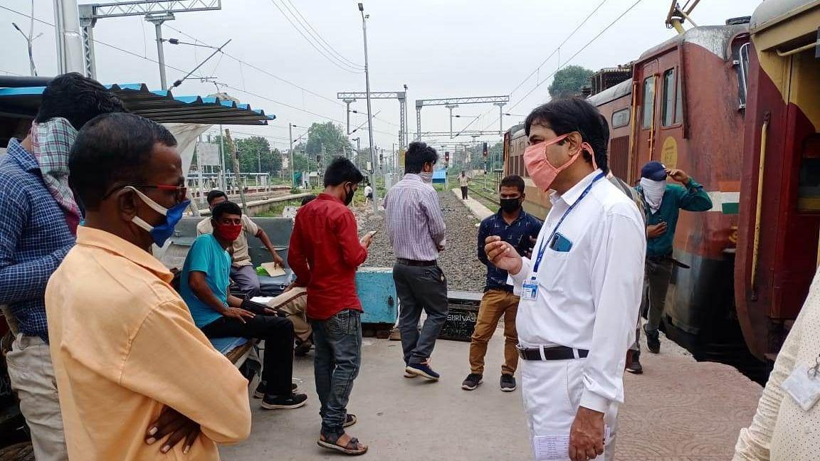 स्वच्छ रेल स्वच्छ भारत - स्वच्छता पंधरवाडा सुरू