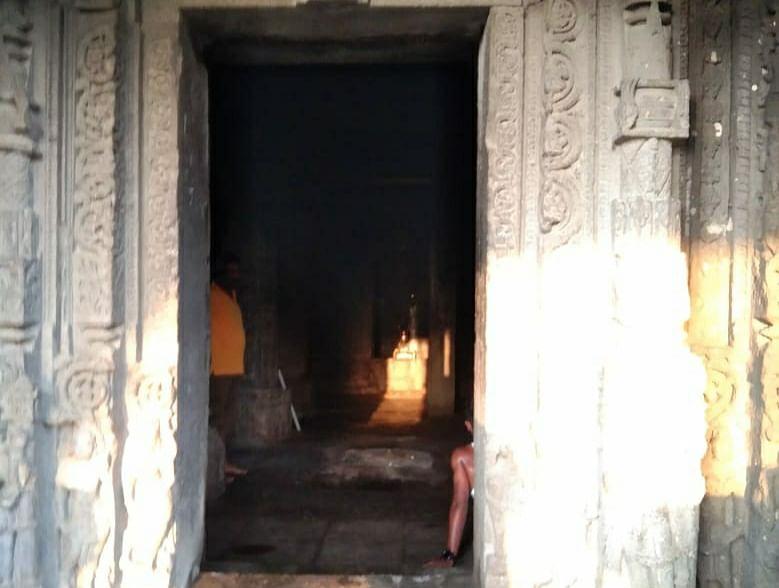 सिन्नर : ऐतिहासिक गोंदेश्वर मंदिरात किरणोत्सवाचा अभिषेक