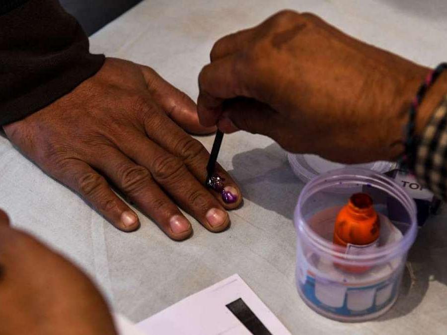 बिहारमध्ये तीन टप्प्यात मतदान : करोनामुळे अनेक नवीन नियम