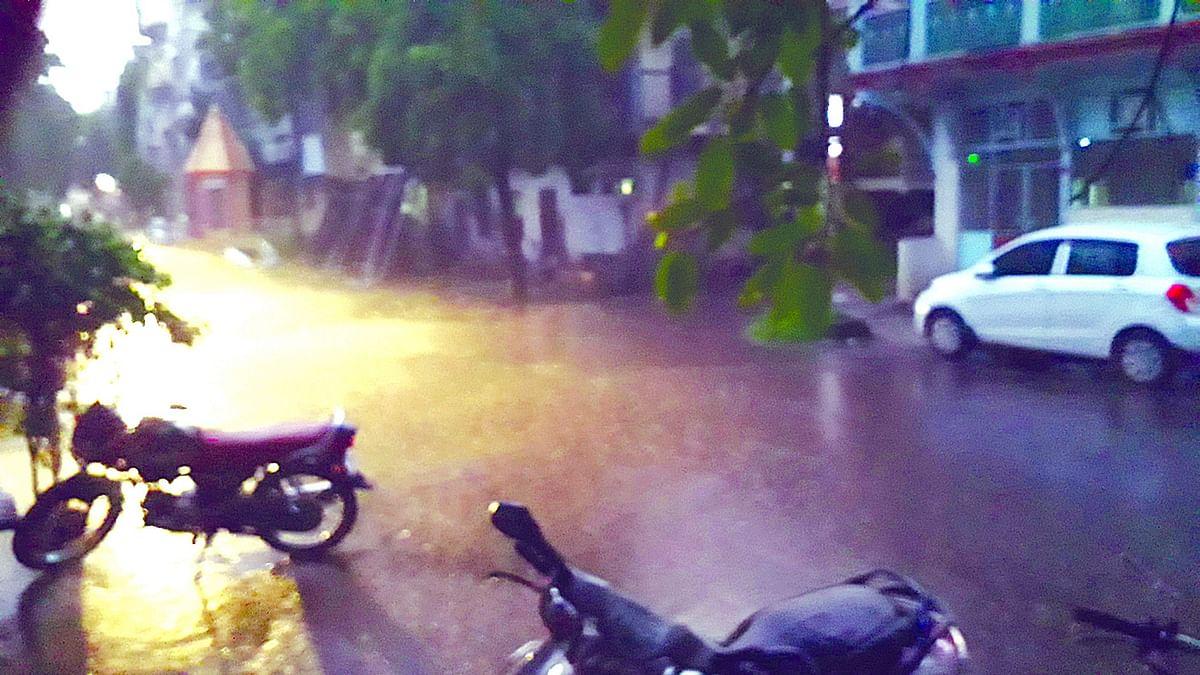 धुळ्यात जोरदार पाऊस