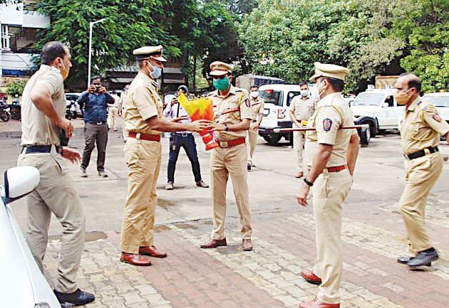 पोलीस आयुक्तांचा सेवकांशी संवाद