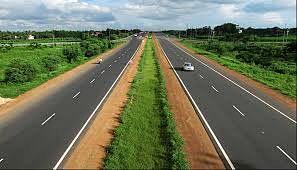 कोपरगाव - नगर महामार्ग दुरूस्तीसंदर्भात रूपरेषा सादर करण्याचे आदेश
