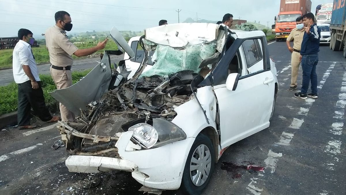 One killed, four injured in accident