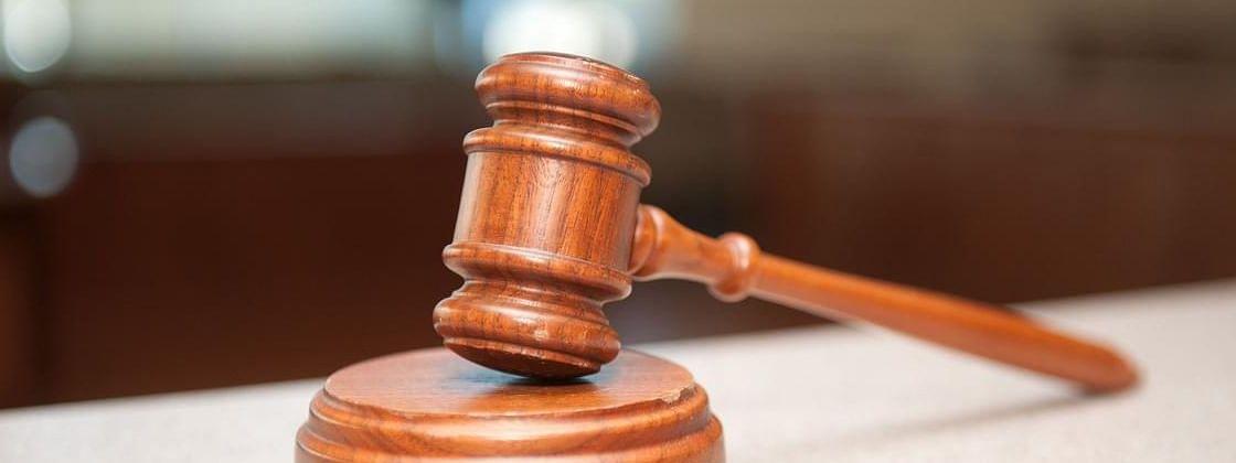 आत्महत्येस प्रवृत्त केल्या प्रकरणी दोघांना सात वर्षांची शिक्षा