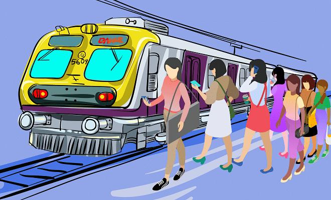 महिलांना लोकल प्रवासासाठी परवानगी