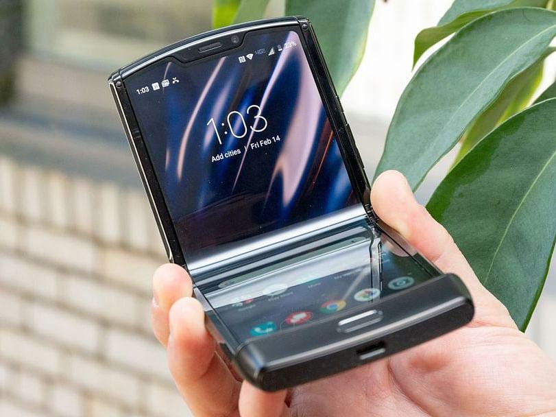 भारतात लाँच झाला 5G सोबत दोन स्क्रीनवाला Motorola Razr