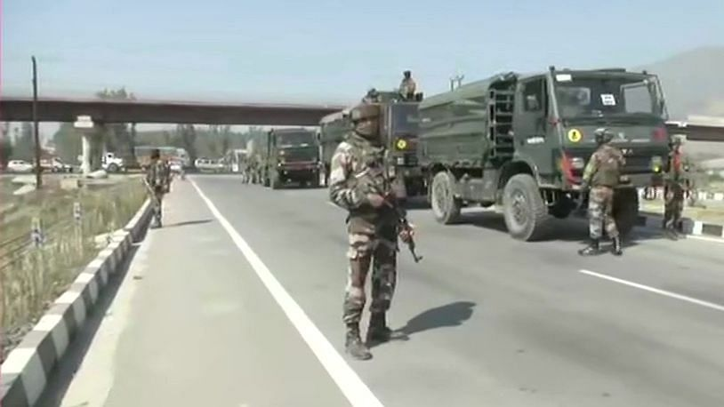 दिल्लीत दहशतवाद्यास अटक, दारुगोळा, AK-47, हँड ग्रेनेड जप्त