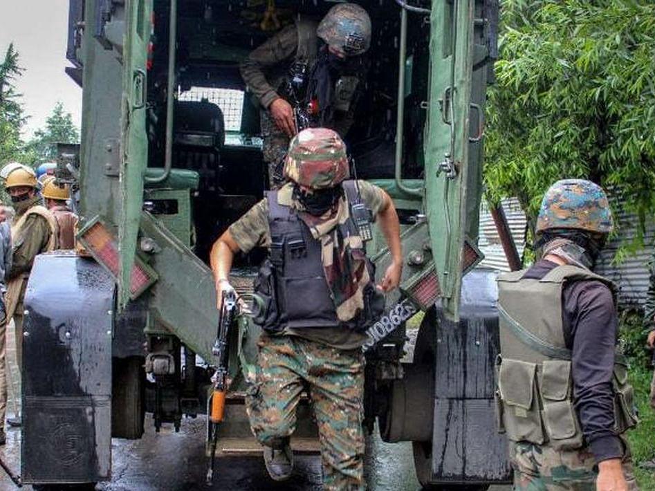 Jammu-Kashmir : कुलगाम मधील चिंगम भागात दोन दहशतवाद्यांना कंठस्नान