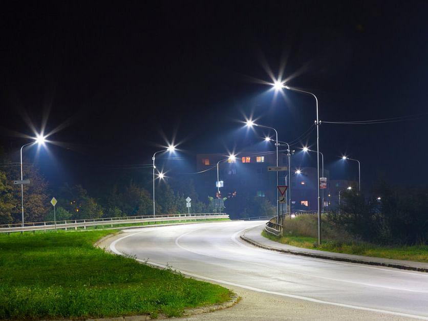 अनेक महिन्यांपासून जॉगिंग ट्रॅकवरील लाईट बंद असल्यामुळे नागरिकांचा संताप