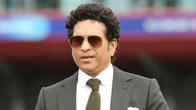 Tendulkar presents Gift of Life certificates to 10 kids
