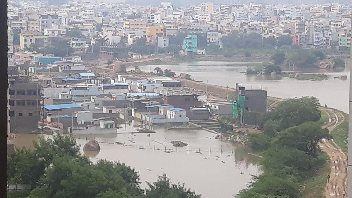 आंध्र प्रदेश, तेलंगानात मुसळधार : ११ जणांचा मृत्यू