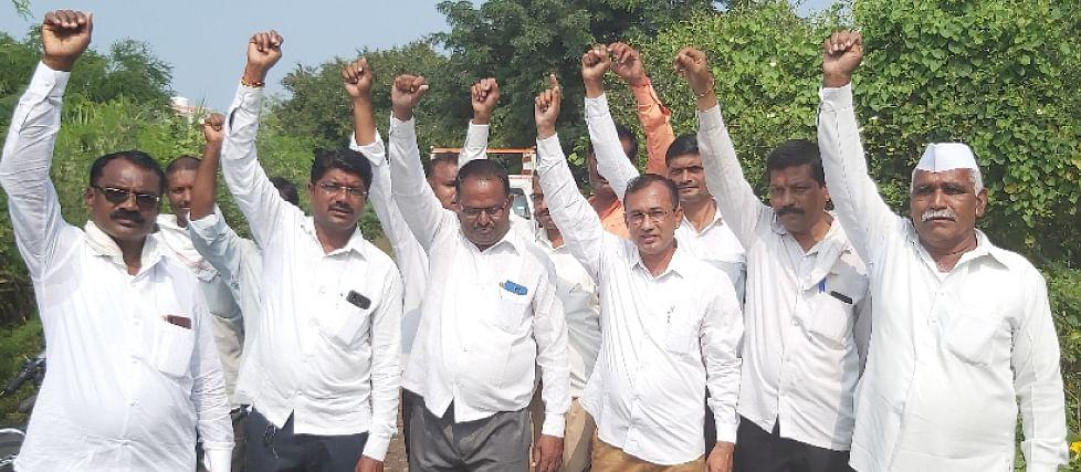 मानोरीत तनपुरे समर्थकांचे प्रती आंदोलन
