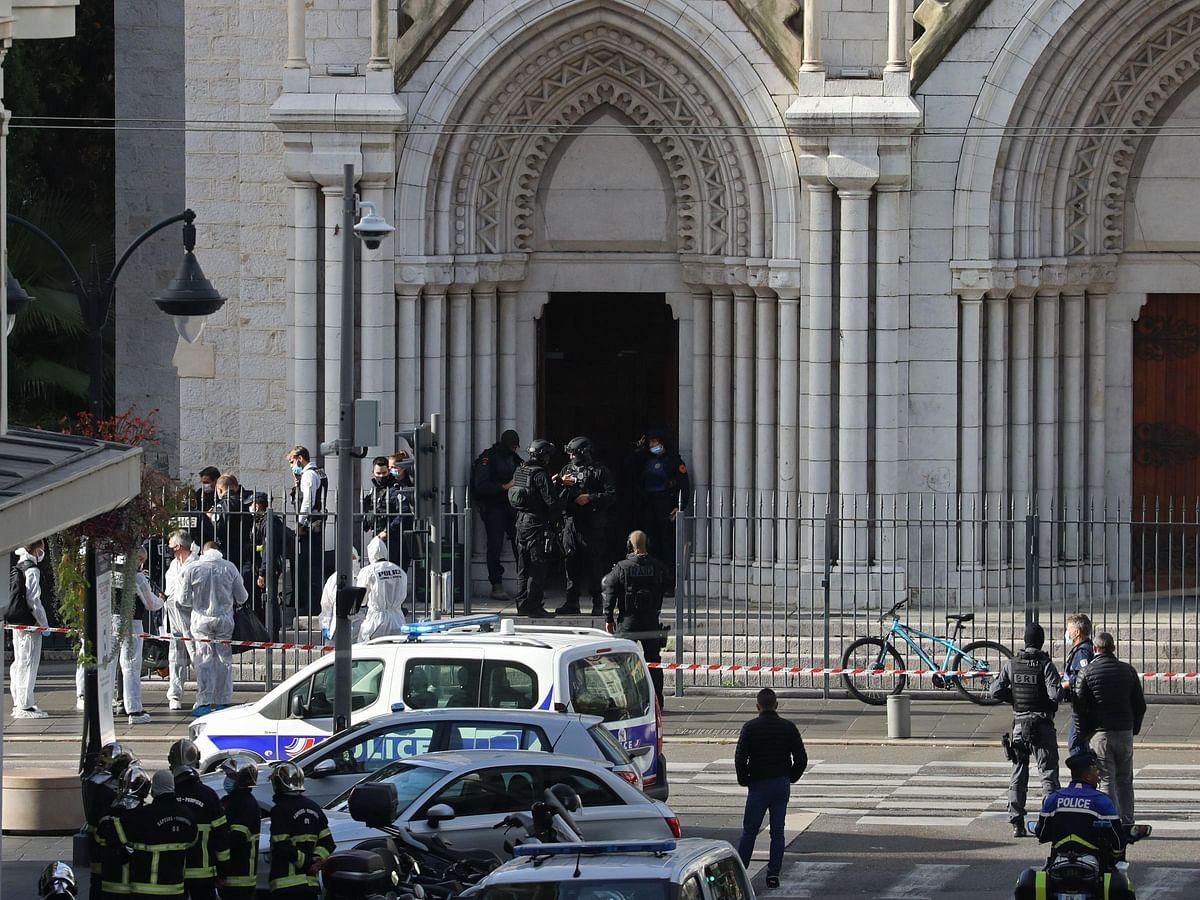 फ्रान्सच्या चर्चमध्ये हल्ला, तीन ठार