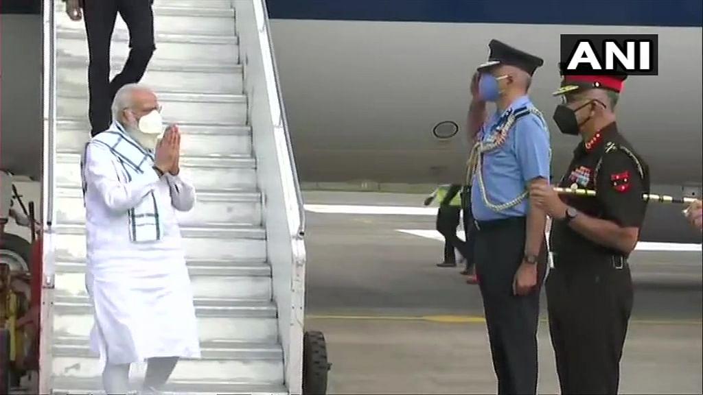 LIVE : पंतप्रधान नरेंद्र मोदी पोहचले सीरम इन्स्टिट्युटमध्ये