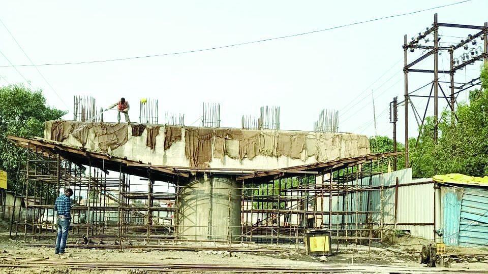 शिवाजीनगर पुलाच्या कामाबाबत नगरसेवकांचे अभियंत्यांना पत्र
