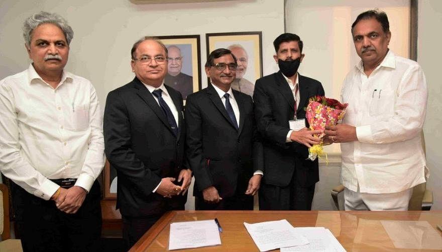 संजय कुलकर्णी यांनी घेतली महाराष्ट्र जलसंपत्ती नियमन प्राधिकरण सदस्यपदाची शपथ