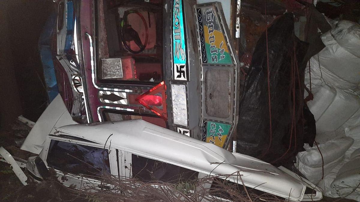 नगर-दौंड महामार्गावर भीषण अपघात, दोघांचा मृत्यू