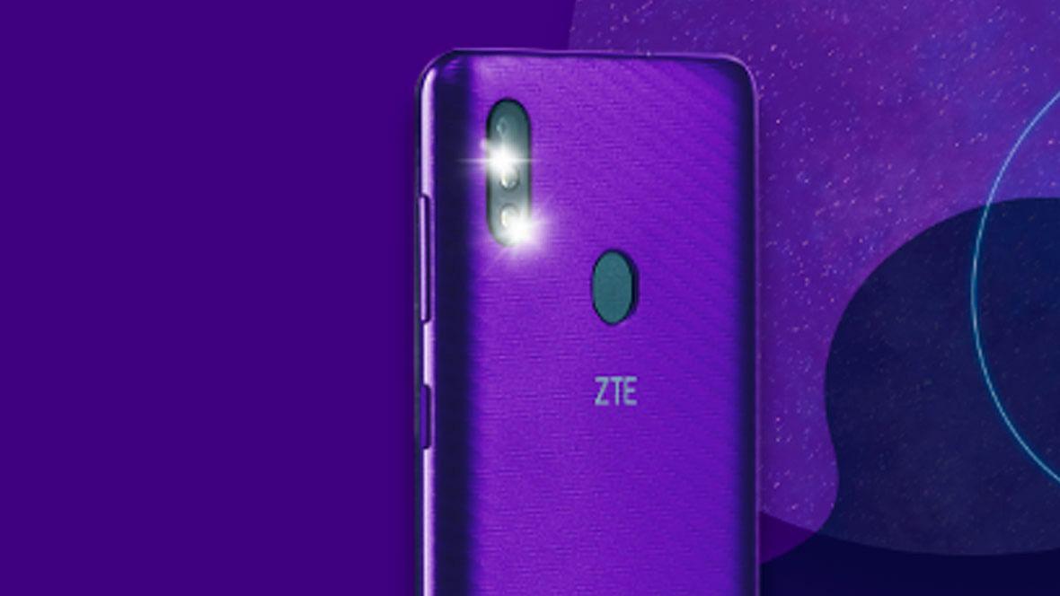Yahoo Mobile ने लॉन्च केला पहिला स्मार्टफोन, जाणून घ्या वैशिष्ठे