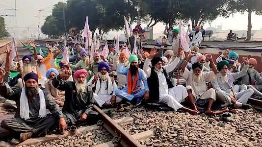 Protesting farmers in Punjab to observe black Diwali