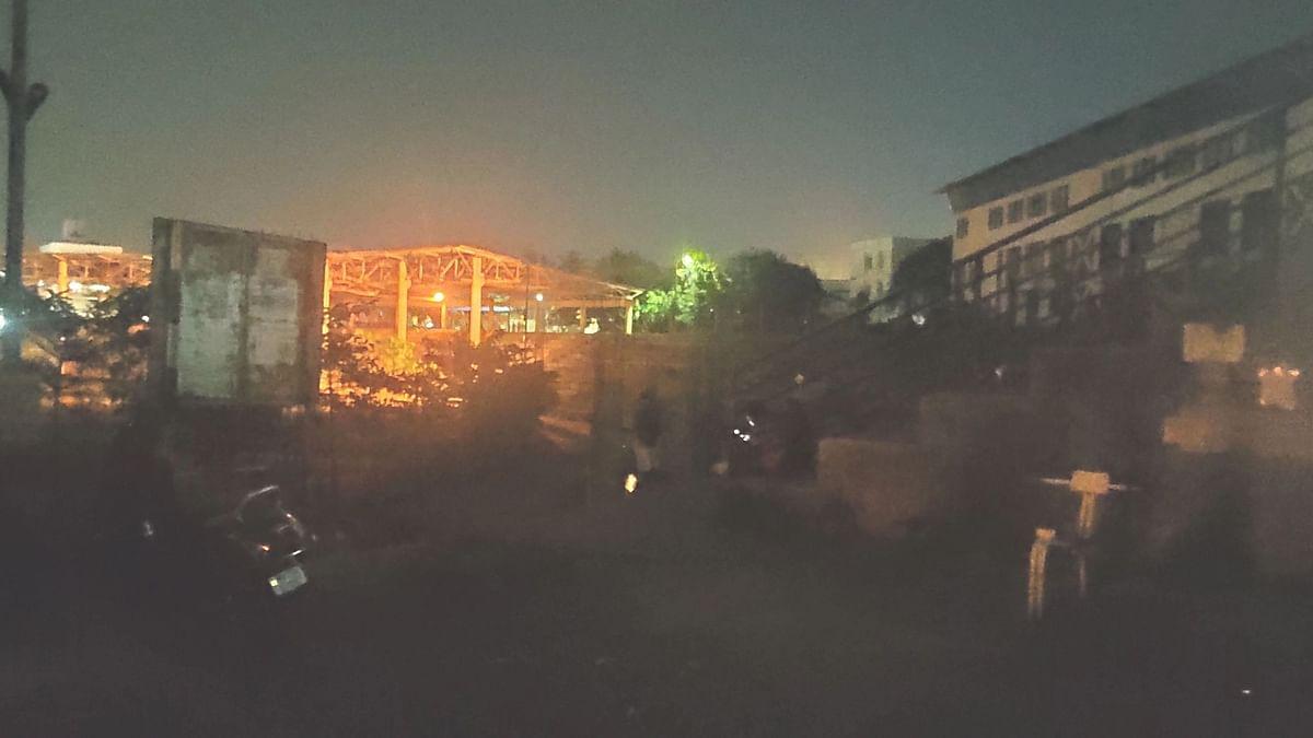 संभाजी स्टेडियम अंधारात
