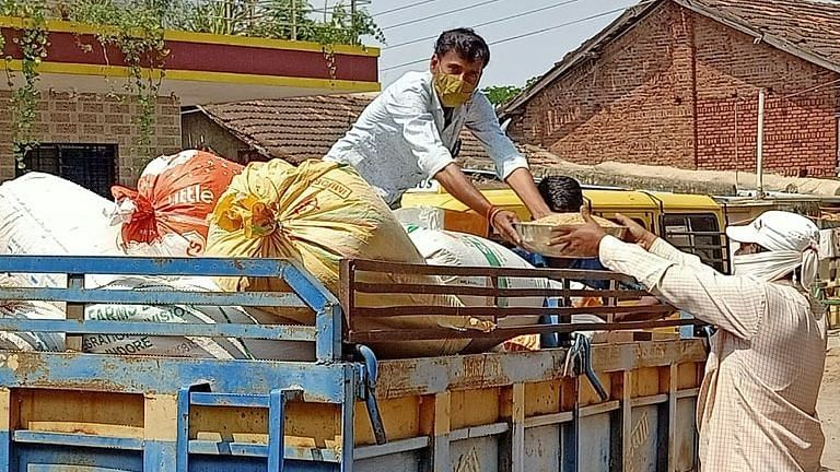 Ration beneficiaries in 643 shops deprived of food grains