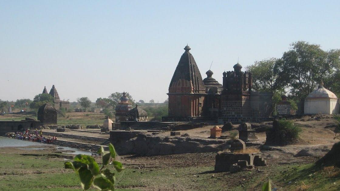 कार्तिकी स्वामी मंदिरात दर्शनासाठी भाविकांची गर्दी