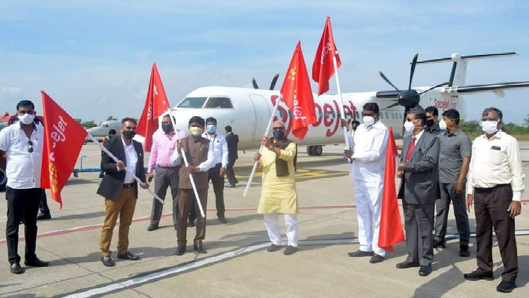 Air service by SpiceJet takes off