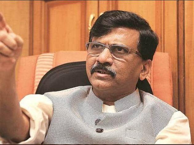 'कोणाच्या १०० पिढ्या आल्या तरी मुंबईवरचा भगवा उतरणार नाही'