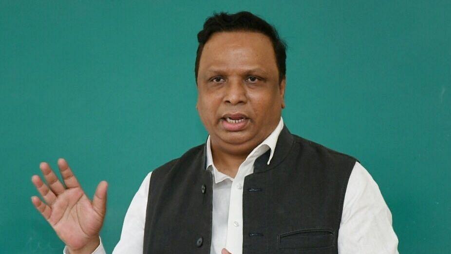 महाराष्ट्रात सरकार आहे कि छळछावणी?; आशिष शेलार यांचा सवाल