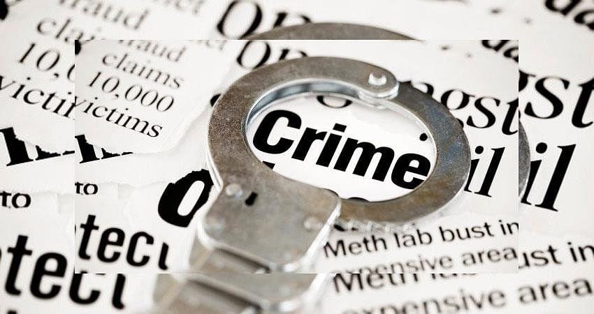 दंडात्मक कारवाई दरम्यान पोलिसांना मारहाण
