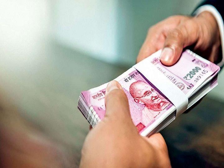 बँका पैसे काढताना, भरताना आकारणार शुल्क? जाणून घ्या सत्य