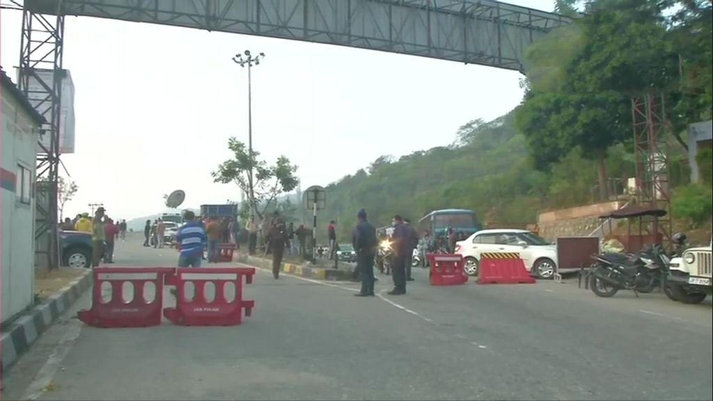 जम्मू-काश्मीर : चकमकीत चार दहशतवाद्यांचा खात्मा
