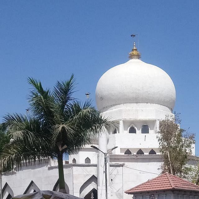 मशिदींसह बडी दर्गा शरीफ भाविकांसाठी खुली