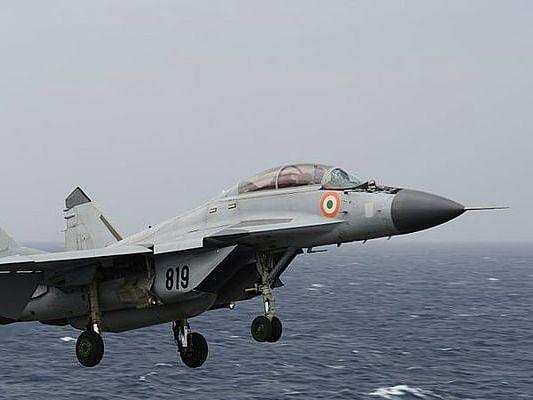 भारतीय नौदलाच्या MiG-29K विमानाला अपघात