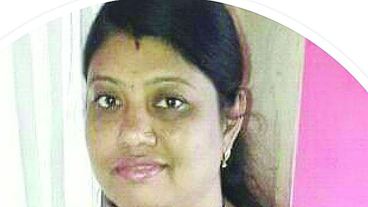 चारित्र्याच्या संशयावरुन निलंबित पोलिसाने केला तलाठी पत्नीचा खून