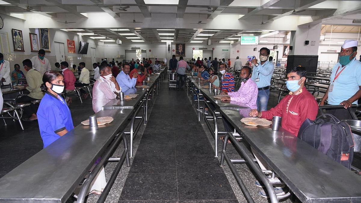 शिर्डीच्या प्रसादालयात 'इतके' भाविक महाप्रसादाने तृत्प